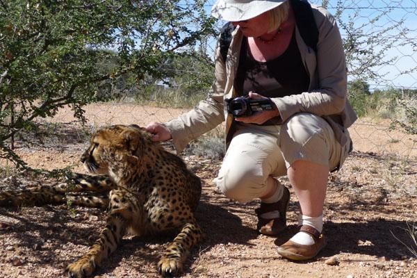 Agnes Kondering mit Gepard